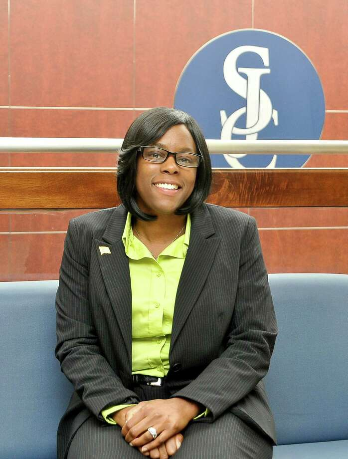 As an Army veteran, Jacquline McDuffie-Mundine, San Jacinto College veteran center educational planner, knows first-hand about the experience of transitioning back into civilian life with family and career responsibilities. Mundine always goes the extra mile for veteran students at San Jacinto College.