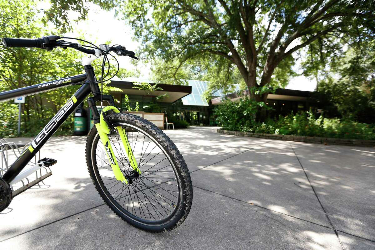 Bicycling around Houston is improving, but Mayor Sylvester Turner pledged more amenities are coming in remarks Wednesday.