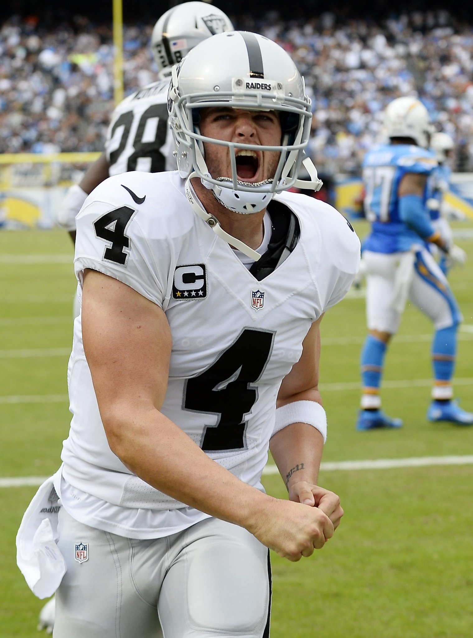 Raiders' Derek Carr learns how to be a successful ...