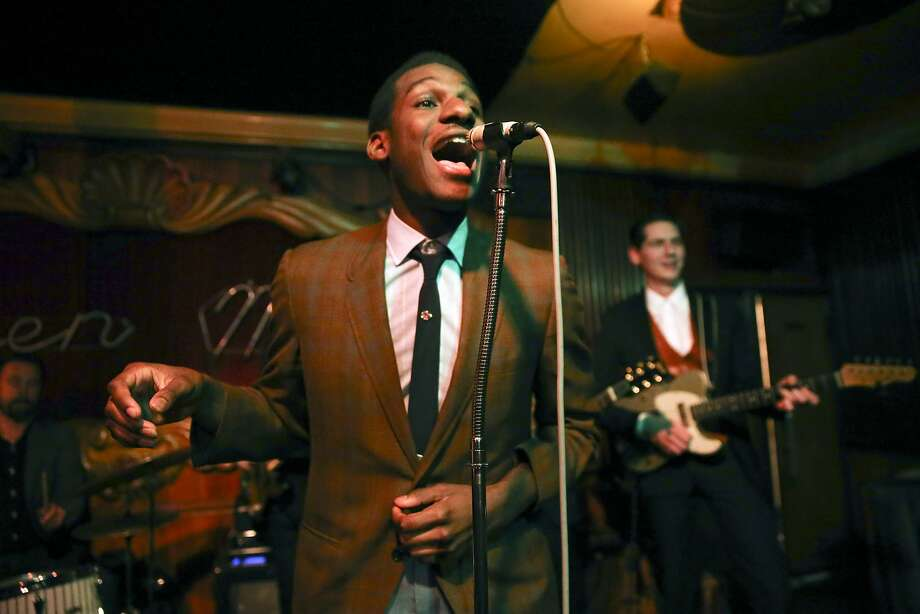 Leon Bridges performs at the Green Mill Jazz Club on April 29, 2015 in Chicago. The Texas-raised artist is set for a return Chicago engagement at the Vic Theatre. (Nuccio DiNuzzo/Chicago Tribune/TNS) Photo: Chris Sweda, McClatchy-Tribune News Service