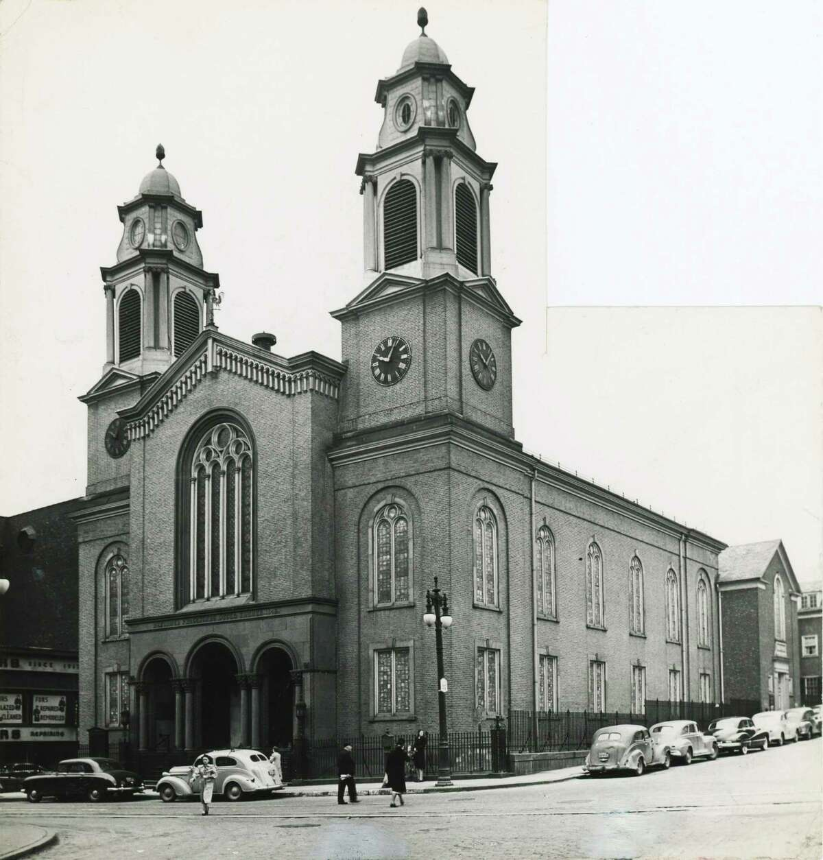 FIRST CHURCH IN ALBANY (1798) : Style: Federal. Built by Phillip Hooker, it has stayed true to itself (and its congregation) as neighbors around it have changed. This photos shows the church as it was in 1949. (Times Union Archive)