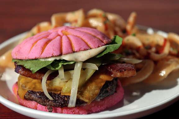 Concha Burger