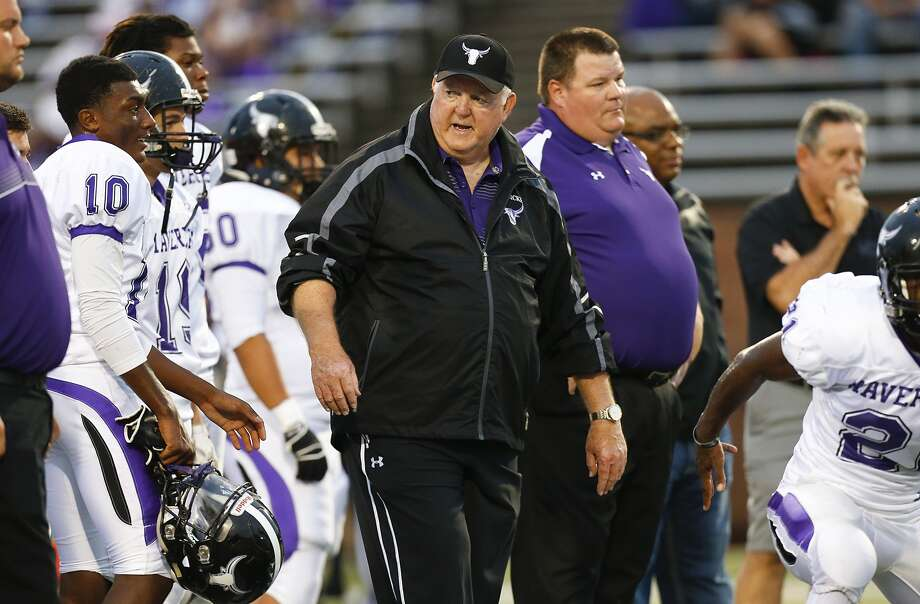 Morton Ranch head football coach Dave Meadows leads the Mavs against Lamar Friday. Photo: Diana L. Porter, Freelance / © Diana L. Porter