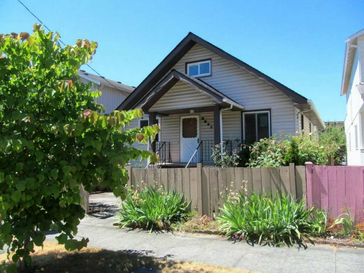 The first home,5541 17th Ave. S., is listed for$399,900. The four bedroom, 1.75 bathroom home has a new roof, floors and paint throughout. It also features a large duel carport in the back. You can see the full listing here.
