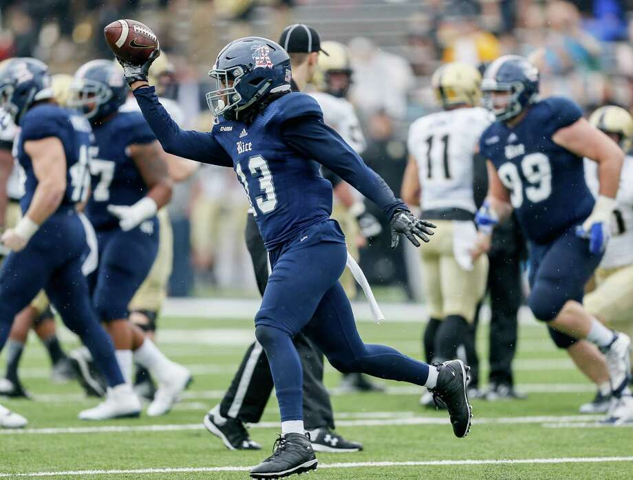 HOUSTON, TX - OCTOBER 24:  Destri White #13 of the Rice Owls comes up with a fumble in the first quarter against the Army Black Knights at Rice Stadium on October 24, 2015 in Houston, Texas.  (Photo by Bob Levey/Getty Images) Photo: Bob Levey, Stringer / 2015 Getty Images