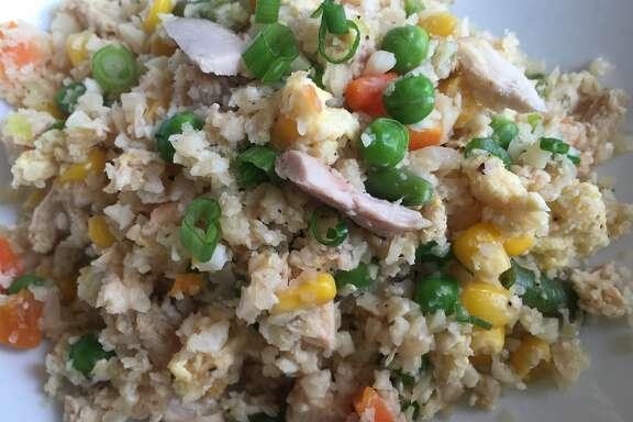 """Fried Cauliflower """"Rice"""" with Chicken"""