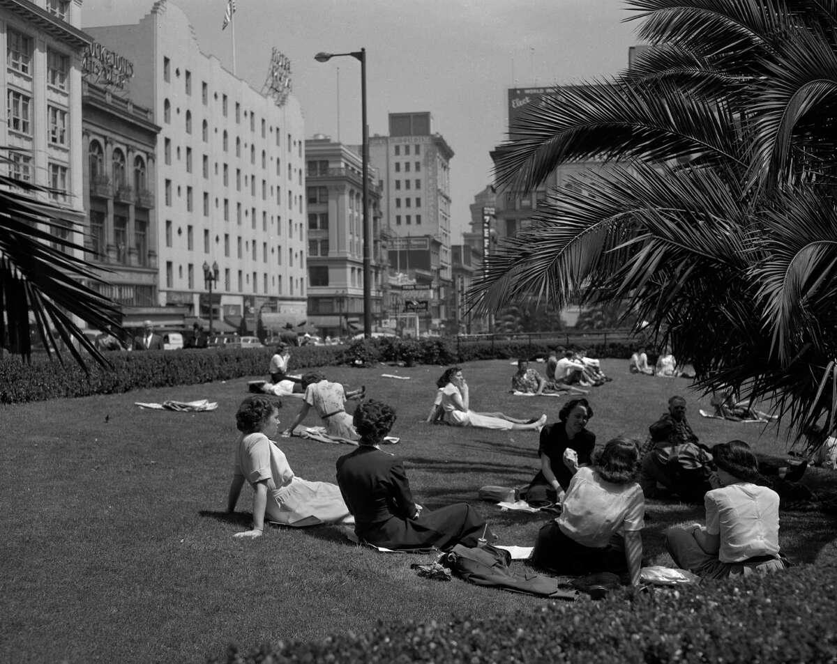 Noon at Union Square, May 23 1950, San Francisco