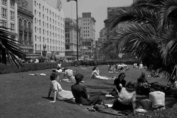 Noon at Union Square,  May 23 1950, San Francisco