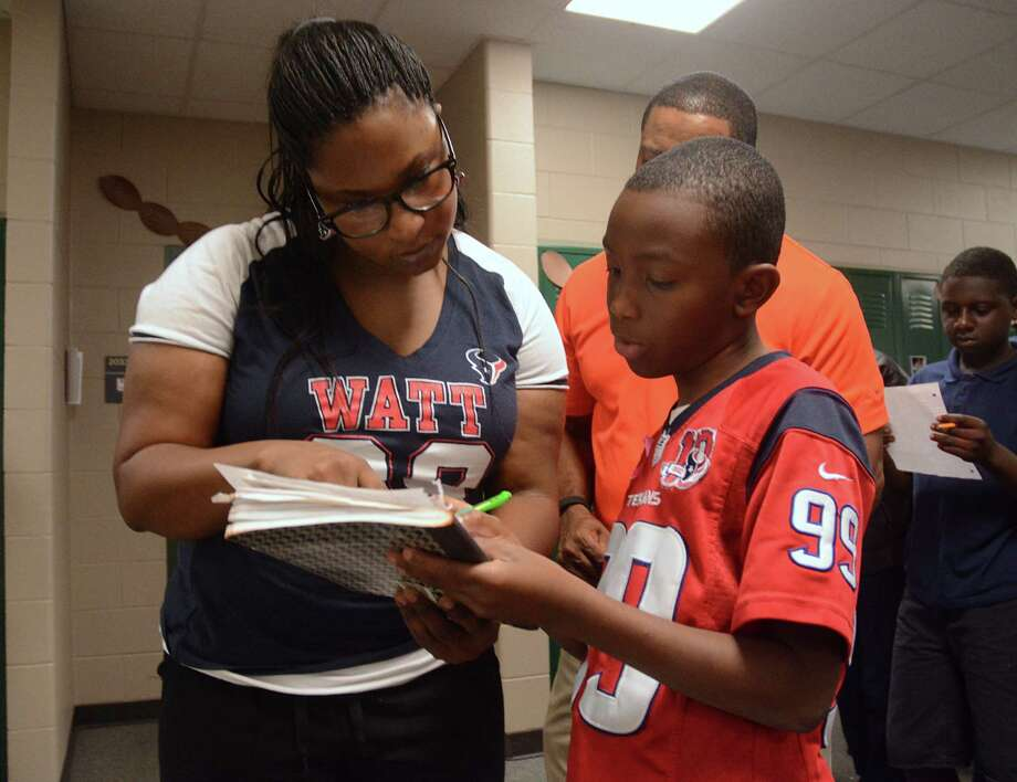 b6d087da Spring ISD program uses NFL stats to help kids score at math ...