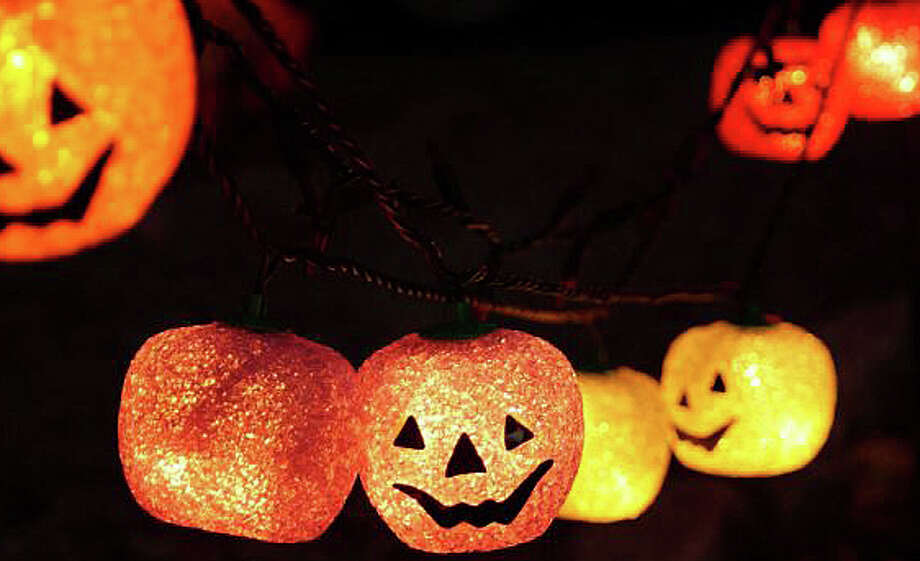 The Fairfield Public Library will be aglow with Halloween fun Friday, in conjunction with the annual Trick or Treat on Safety Street downtown. Photo: File Photo / File Photo / Fairfield Citizen