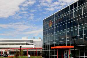 Tsinghua Group of China may be interested in minority stake in GlobalFoundries - Photo