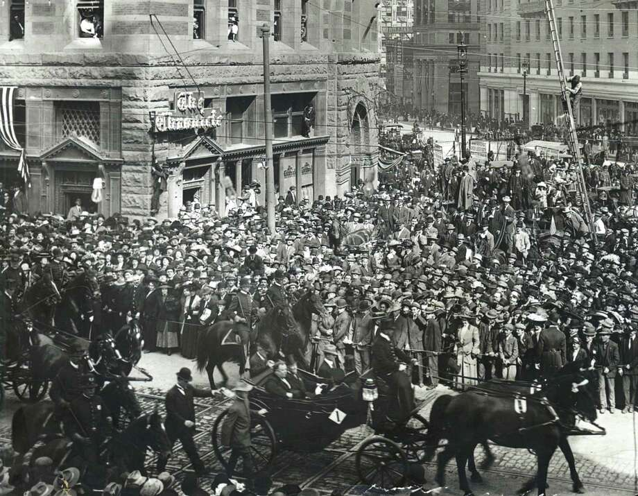 President William Howard Taft passes the old Chronicle building during a parade in San Francisco in 1911. He was in town for ground-breaking ceremonies for the Panama-Pacific International Exposition. Photo: Chronicle File / Chronicle File Photo 1911 / SFC