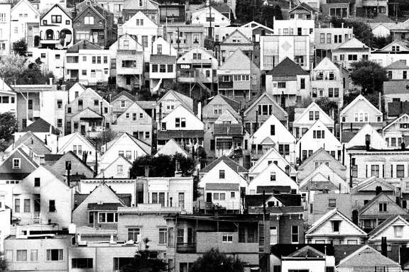 Houses from Bernal Heights looking toward the Mission District, seen in 1968.