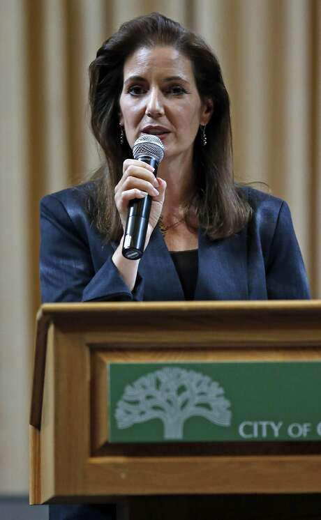"""Oakland Mayor Libby Schaaf gives her """"State of the City"""" address at City Hall in Oakland, Calif., on Wednesday, October 28, 2015. Photo: Scott Strazzante, The Chronicle"""