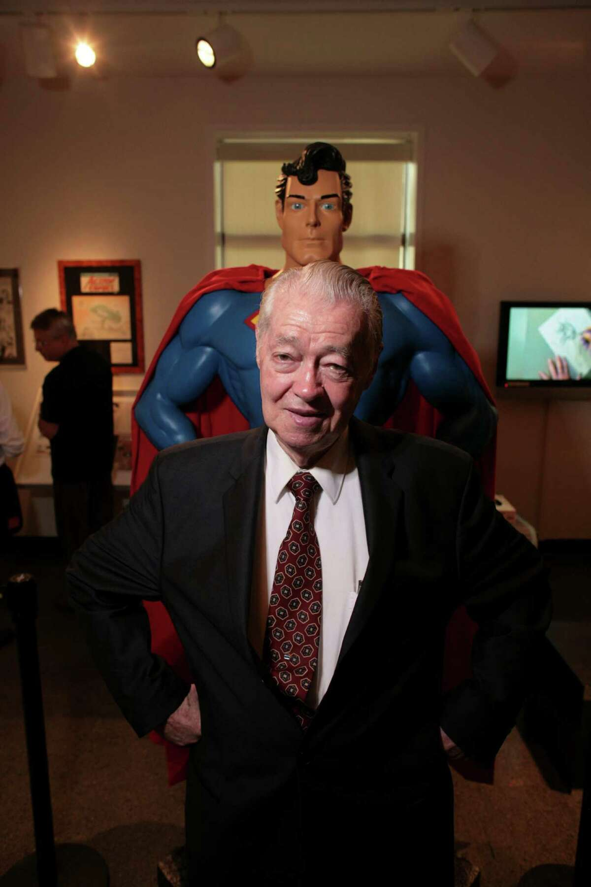 """FILE �"""" Murphy Anderson at a comic book exhibition at the Montclair Air Museum in Montclair, N.J., July 12, 2007. Anderson, a comic book artist best known for drawing superheroes for DC Comics from the 1950s to the '70s, died on Oct. 22, 2015, in Somerset, N.J. He was 89. (Fred R. Conrad/The New York Times)"""