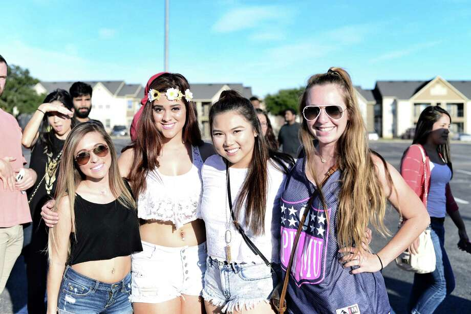 The campus parking lot of UTSA lit up Wednesday like a chaotic music festival for one of the most talked about parties of the year, starring Victoria Secret models and an epic EDM concert. Photo: By Kody Melton, For Mysa.com