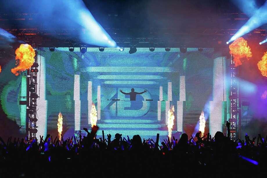 SAN ANTONIO, TX - OCTOBER 28:  Zedd performs onstage during Victoria's Secret PINK Hosts PINK Nation Game On! Bash At UTSA on October 28, 2015 in San Antonio, Texas. Photo: Rick Kern, Photo By Rick Kern/Getty Images For Victoria's Secret PINK / 2015 Getty Images