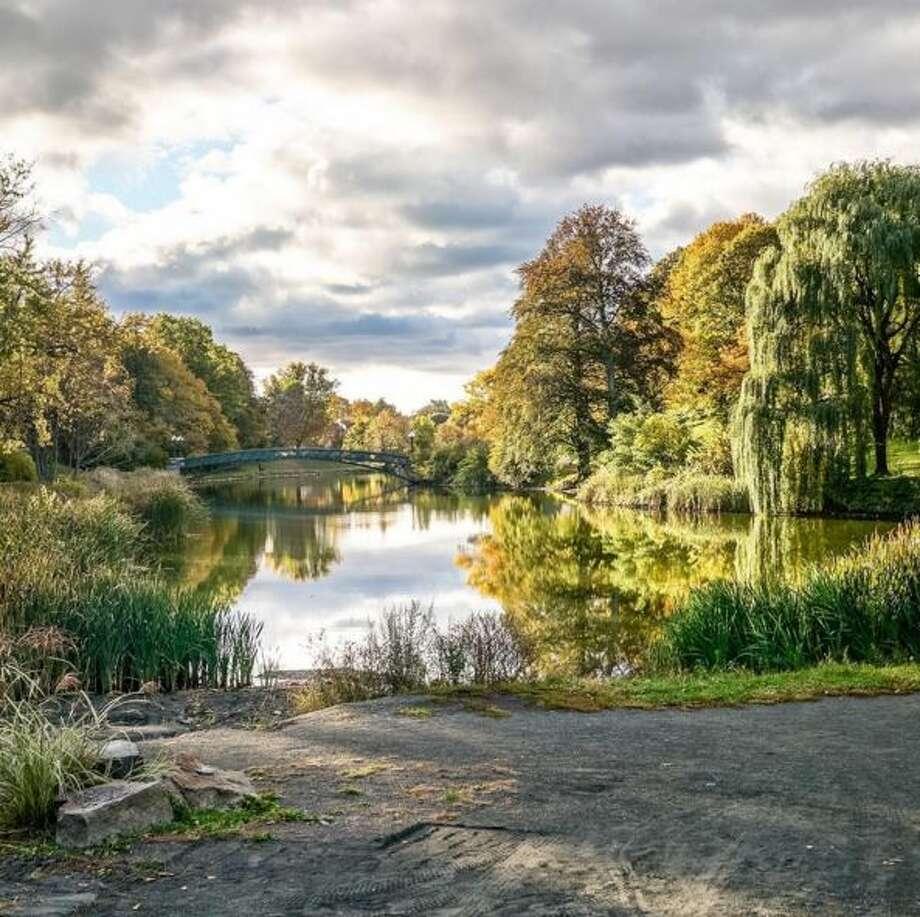 Washington Park, Albany. Photo credit: @sebastienbarre