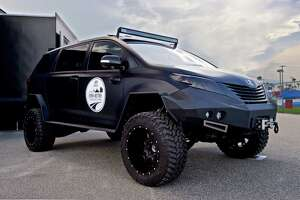Companies designing more vehicles built for war - Photo