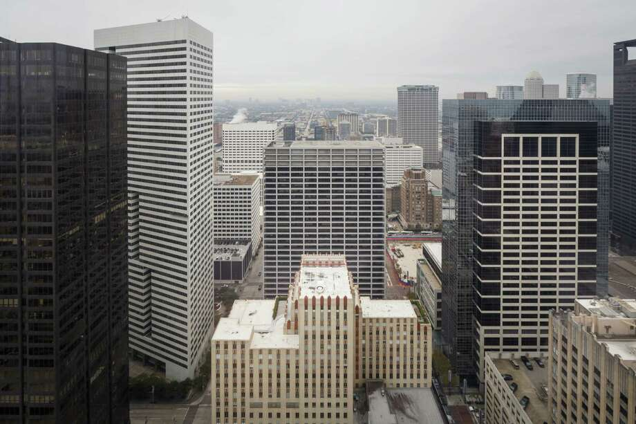 Office tenants leased 2.23 million square feet of office space across the Houston market in the third quarter, according to NAI Partners. Photo: Michael Paulsen, Staff / © 2013 Houston Chronicle