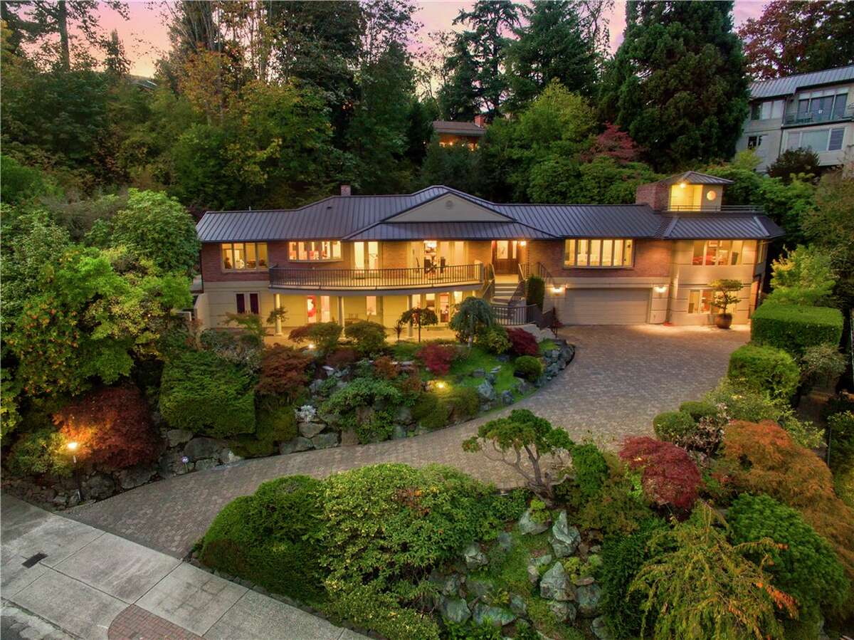 This home, 825 Hillside Drive E., is listed for $2.985 million. The five bedroom, 5.5 bathroom home was built in 1951 but recently underwent a complete overhaul. The features two master suites, an elevator and a separate on-property apartment that would make an excellent mother-in-law suite. You can see the full listing here.