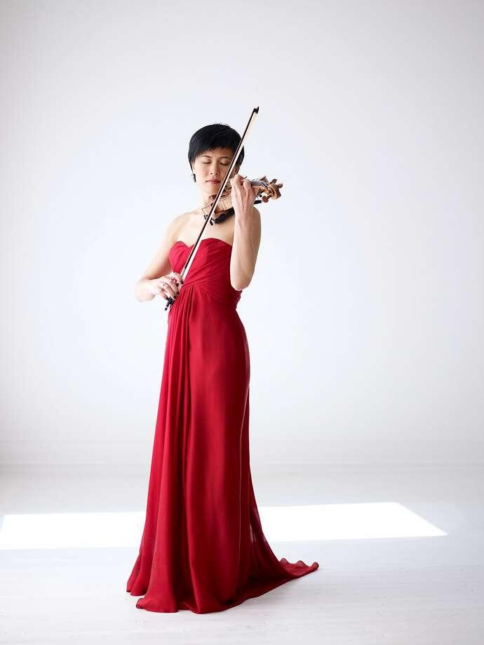 Violinist Jennifer Koh joins pianist Shai Wosner for Beethoven recitals. Photo: Jürgen Frank