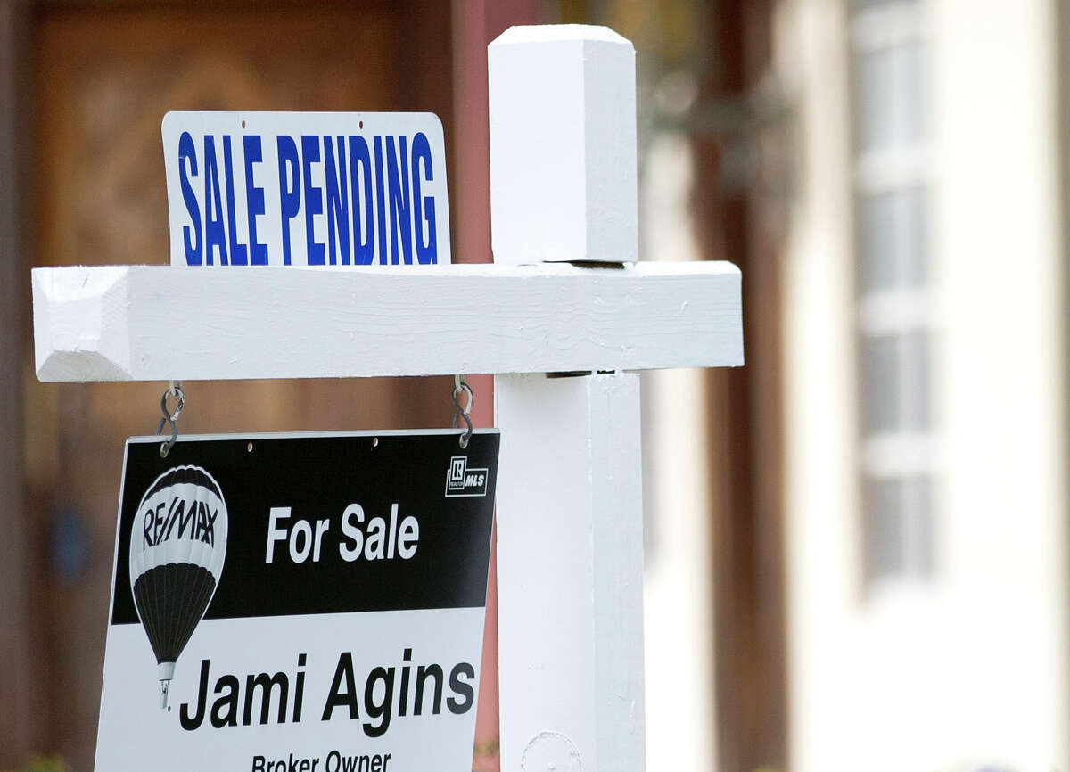 The National Association of Realtors said its seasonally adjusted pending home sales index dropped 2.3 percent to 106.8 last month.
