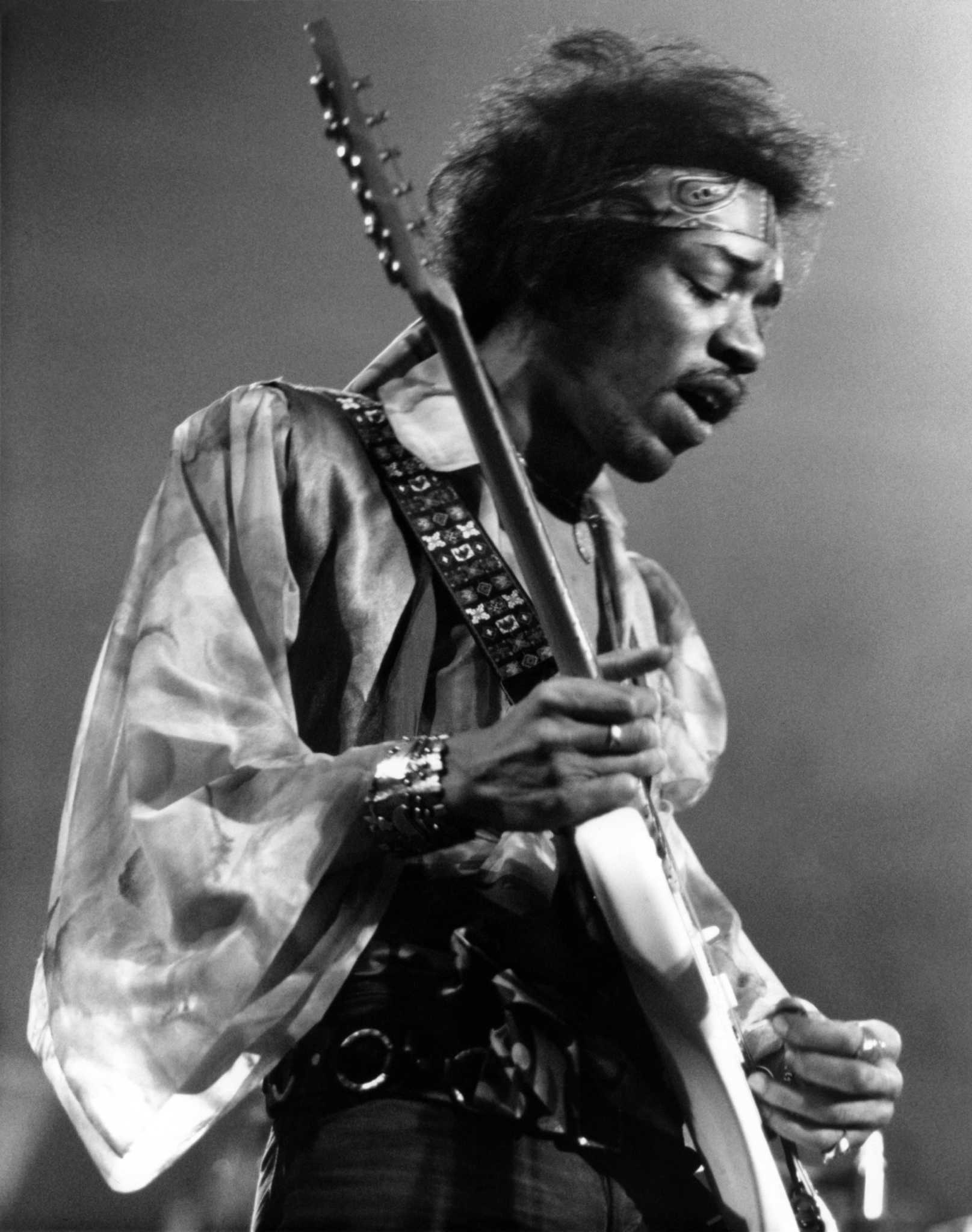 the history and importance jimi hendrix essay Jimi hendrix essay music class jimi did not perform well in that even in musical history 1956-1964 what was considered most important.
