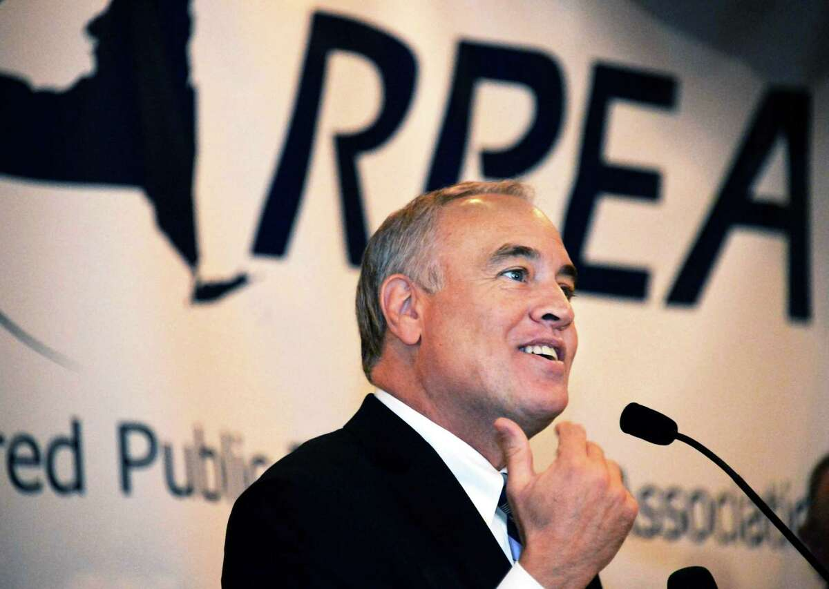 NYS Comptroller Tom DiNapoli addresses the annual meeting of the state retired public employees association Thursday Oct. 29, 2015 in Colonie, NY. (John Carl D'Annibale / Times Union)