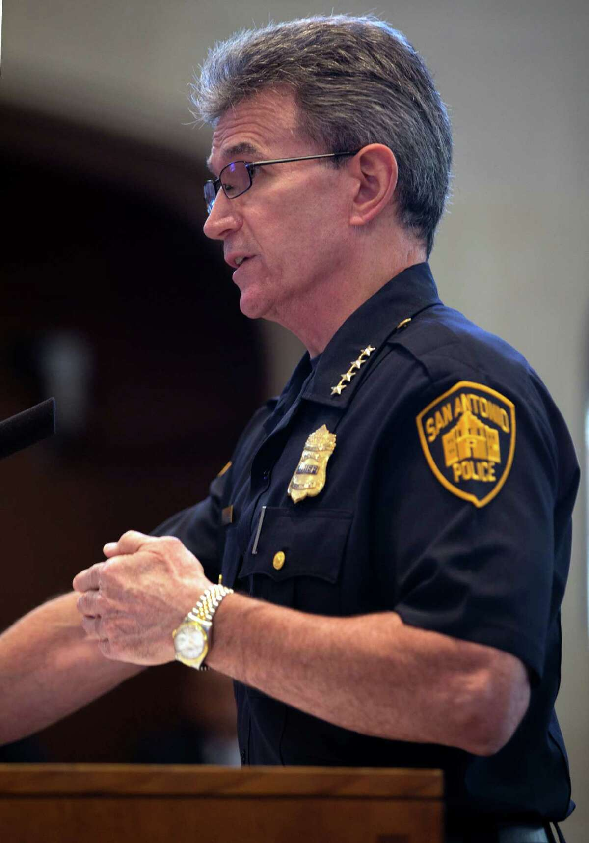 San Antonio police chief William McManus speaks to the city council Thursday morning, Oct. 29, 2015 about police body-worn cameras in advance of the council's unanimous vote to enter into a multi-year contract to equip most officers with the devices.