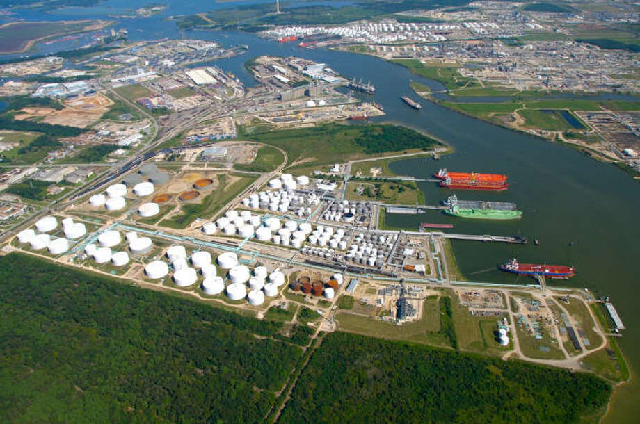 Houston-based  Enterprise Products Partners, which acquired this Houston Ship Channel  terminal  in a merger earlier this year with Oiltanking Partners, reported  $2.5 billion in third-quarter distributable cash  flow. (Enterprise Products Partners) / handout