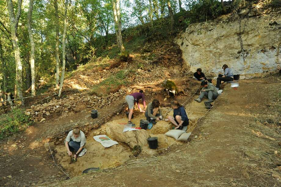 Excavation of the Neanderthal site Abri Peyrony, France, where bone tools known as lissoirs were discovered. Photo: Abri Peyrony Project
