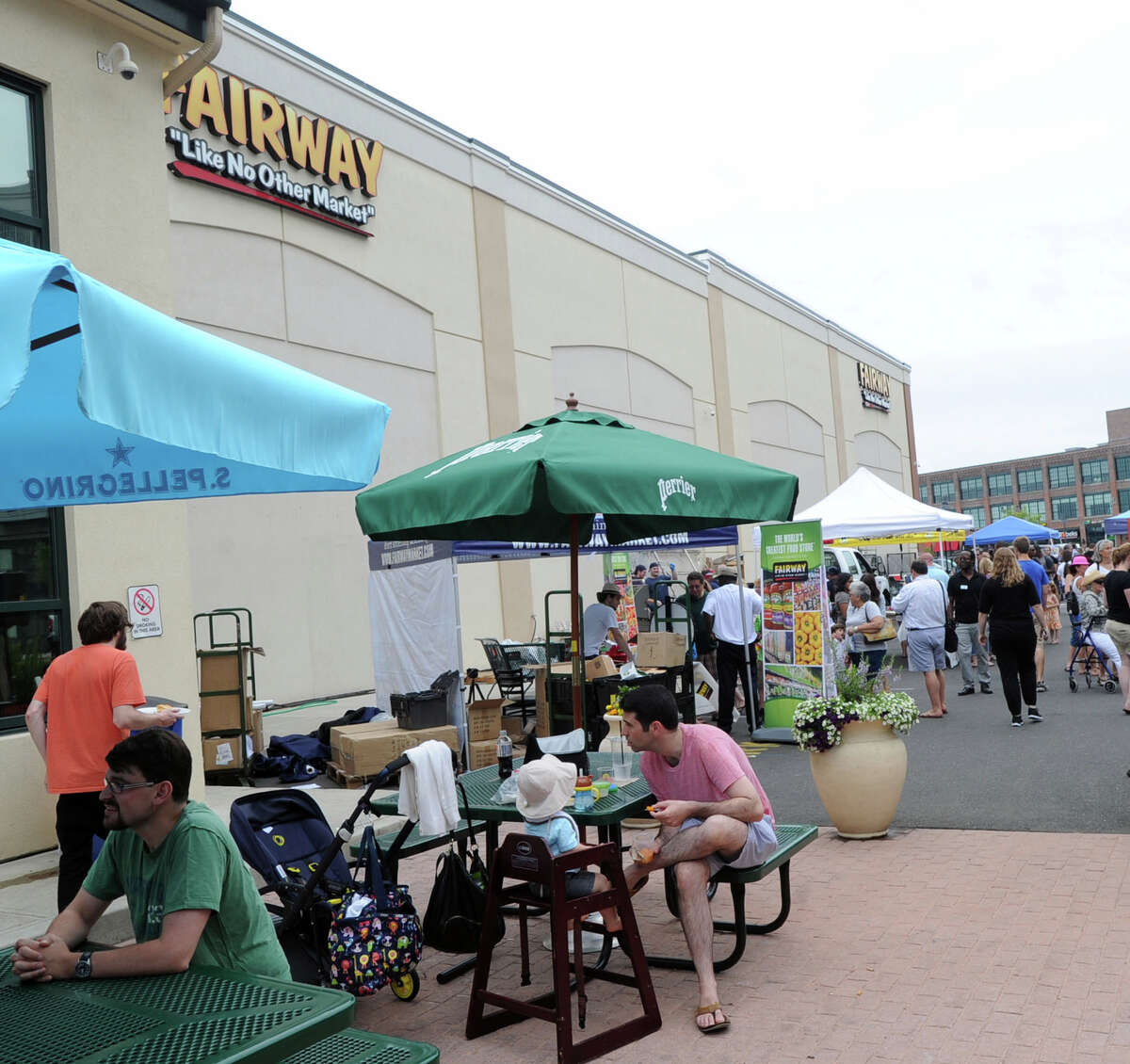 Fairway Market's store in Stamford, Conn., measures 85,000 square feet of space. On October 29, 2015, the company's CEO described Tri-state area expansion plans pegged to stores anywhere from half to a quarter the size of the Stamford store.