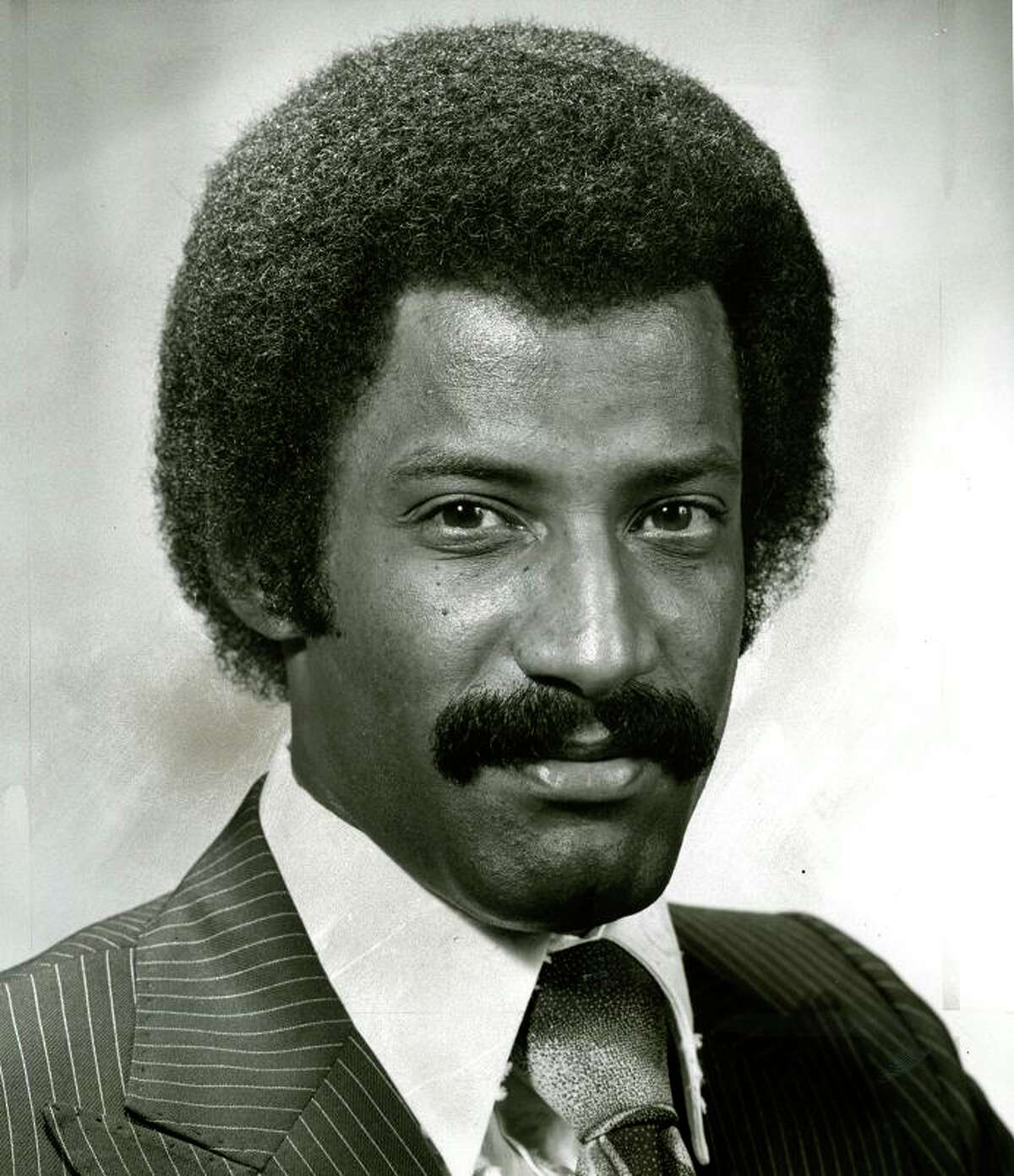 DENNIS RICHMOND (May 26, 1976): I met Richmond a couple of times at KTVU, and it was jarring to see him eat junk food. He had a big bag of chips at his desk. Richmond joined KTVU in 1968, becoming anchor in 1976. He is Bay Area royalty.