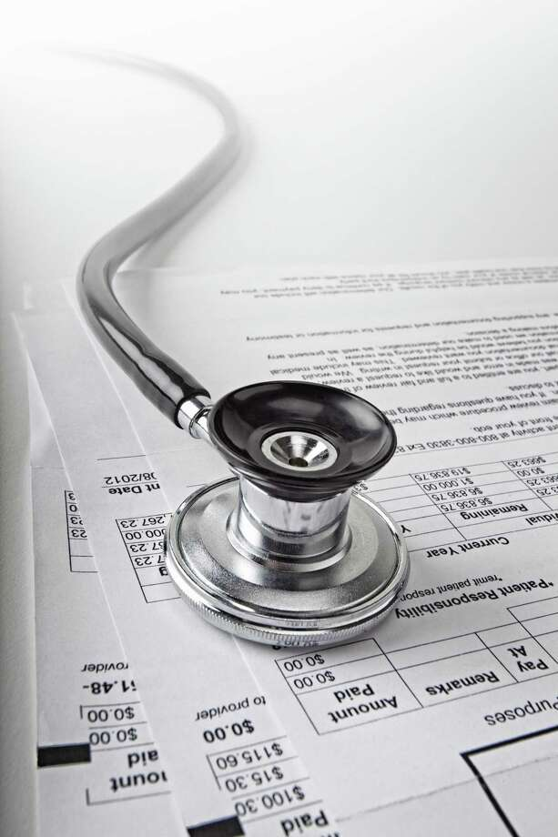 Consumers are advised to compare all their options before choosing a health insurance plan for 2016. Photo: Getty Images / (c) Burazin