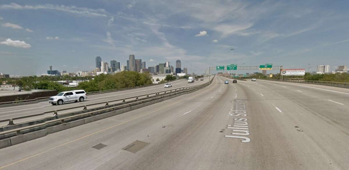 Rank: 23 Roadway: I-345 between Woodall Rodgers Freeway and US 175 TxDOT district: Dallas Annual cost of delay: $29.55 Annual hours of delay: 354,695