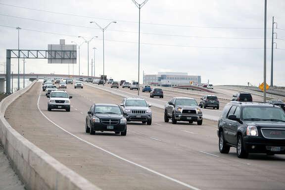 Traffic makes its way along the Sam Houston Tollway near Highway 249, Friday, Oct. 30, 2015, in Houston. (Cody Duty / Houston Chronicle)