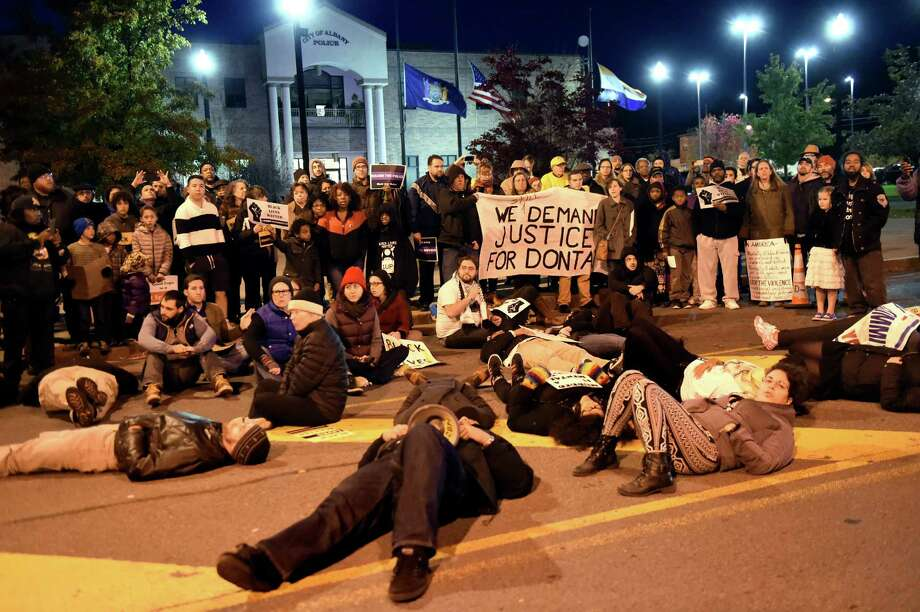 No Albany police indictment in death of Donald Ivy protested