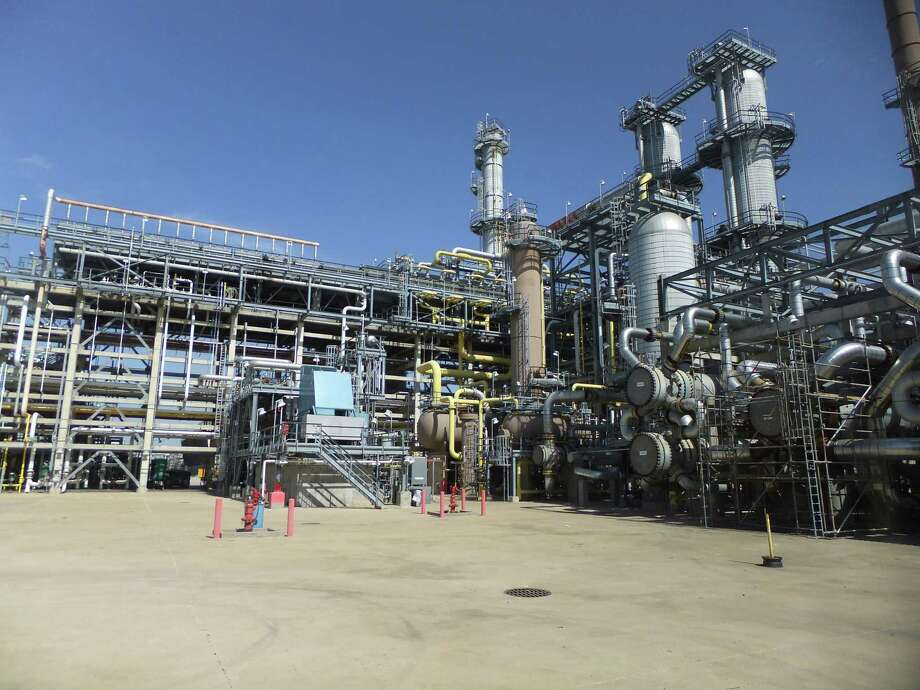 Phillips 66's Gulf Coast refineries, including this one near Sweeny, ran at 100 percent utilization in the third quarter. Photo: Ryan Holeywell
