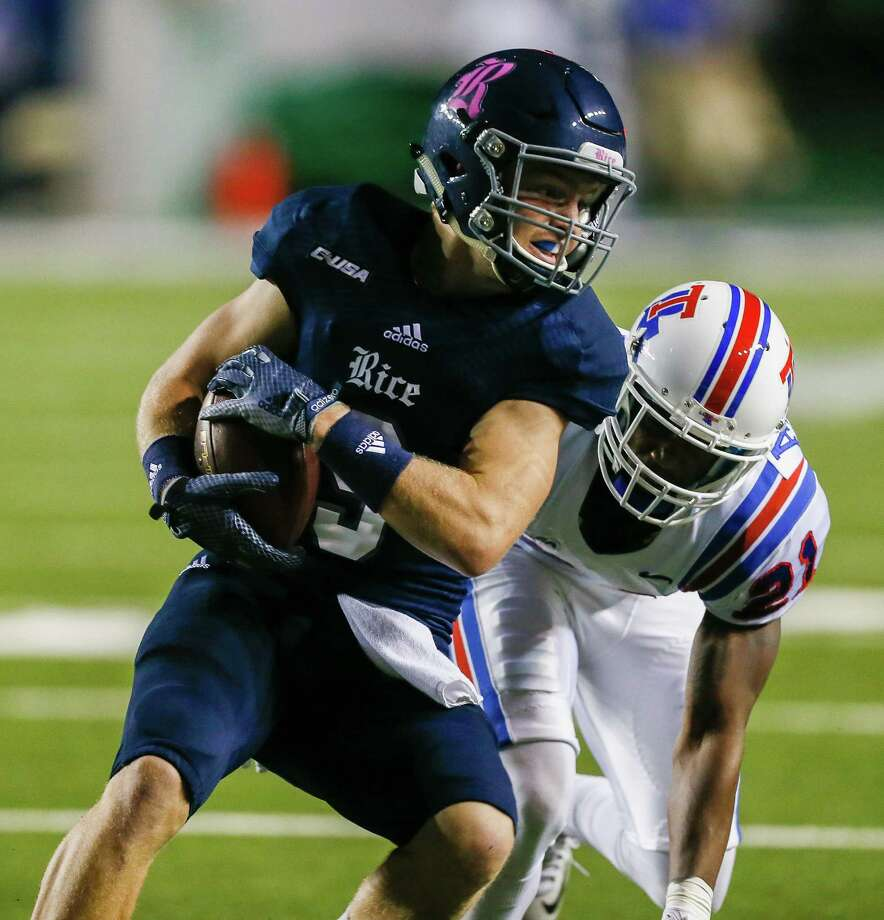 Rice Owls wide receiver Zach Wright (9) with a catch in the first half against the Louisiana Tech Bulldogs during a NCAA Conference USA football game Friday, Oct. 30, 2015. (Bob Levey/For The Chronicle) Photo: Bob Levey, Houston Chronicle / ©2015 Bob Levey