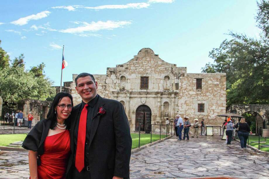 Priscilla Garza and Simon Peralta tied the knot outside the Alamo on Halloween in a Day of the Dead-themed wedding. Photo: Tyler White/SAEN