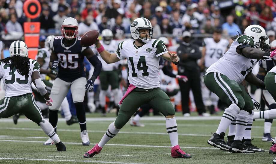 Quarterback Ryan Fitzpatrick (14) is on his sixth NFL team and fourth in the past four seasons. Photo: Charles Krupa, Associated Press