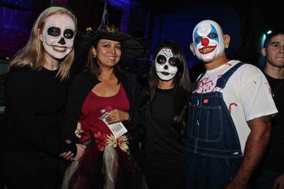 Costumed Halloween thrill seekers hit the 13th Floor Haunted House Saturday night for what has become a favorite spooky tradition — trick-or-treating to start off the night and then a good old fashioned scare at a haunted house. Photo: By Yvonne Zamora, For MySA.com,