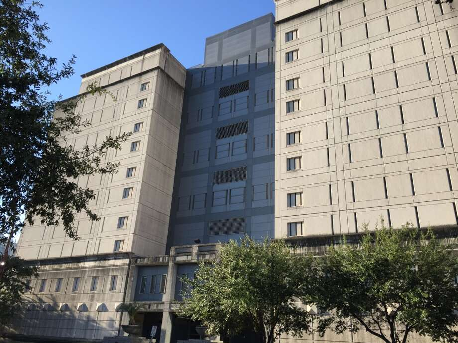 Federal Detention Center Houston is a federal prison, located two blocks from Minute Maid Stadium. It holds more than 900 inmates and is in plain sight, yet blends in  downtown. (Dane Schiller/Houston Chronicle)