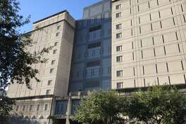 Federal Detention Center Houston is a federal prison, located two blocks from Minute Maid Stadium. It holds more than 900 inmates and is in plain sight, yet blends in downtown. (Houston Chronicle)