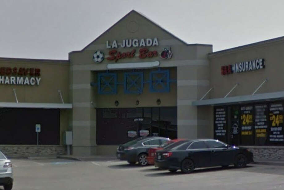 La Jugada Sports Bar10701 West Bellfort 150BHouston, TexasViolation: Possess/permitting possession of drugsViolation: Permit consumption - permitted hoursViolation: Inspection refusal - regular business hoursViolation: Inspection refusal - prohibited hours Photo: Google Maps