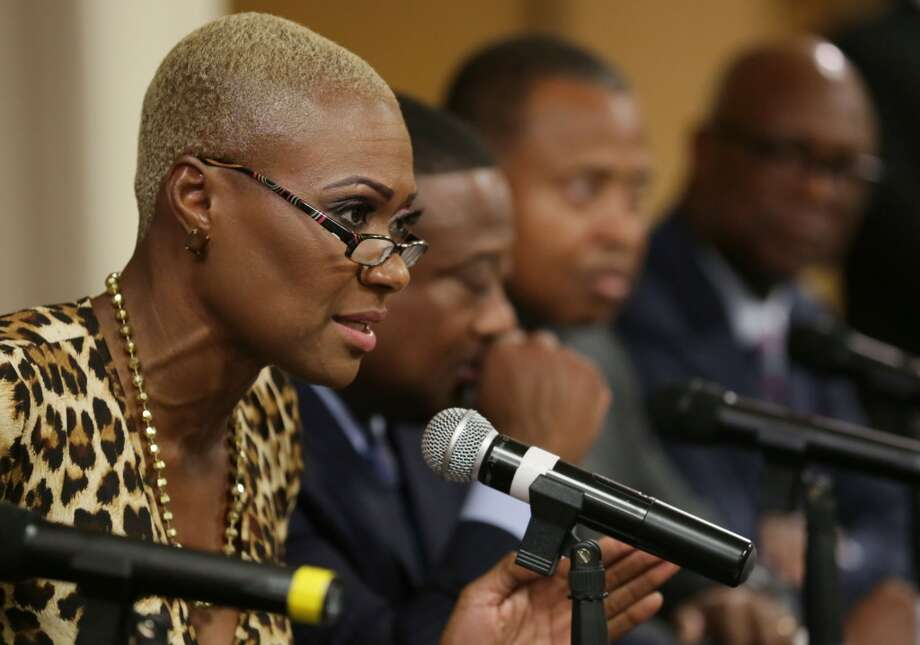 Former Houston City Councilwoman Jolanda Jones, elected in November to the HISD board, asked her soon-to-be colleagues Thursday to postpone voting on hiring a search firm until she takes office in January. Photo: Jon Shapley, Houston Chronicle