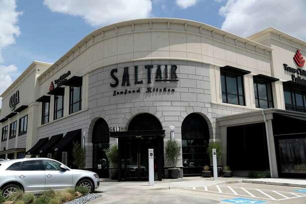 SaltAir Seafood Kitchen in Upper Kirby