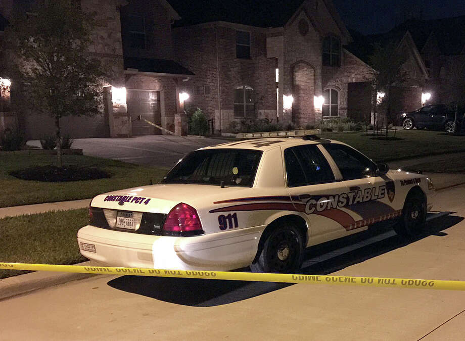 Sheriff's deputies were investigating an apparent double homicide in Cypress in northwest Harris County on Monday evening. Photo: Mike Glenn, Houston Chronicle / Houston Chronicle