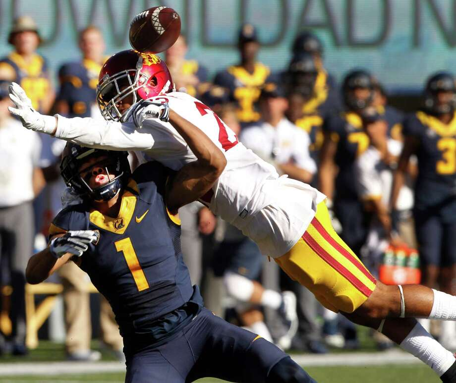 A pass interference call on USC's Jonathan Lockett on Cal receiver Bryce Treggs helps set up a Bears touchdown in the 4th quarter of the Cal Bears game against the USC Trojans at Memorial Stadium in Berkeley, Calif. on Saturday, Oct. 31, 2015. Photo: Paul Chinn / The Chronicle / ONLINE_YES